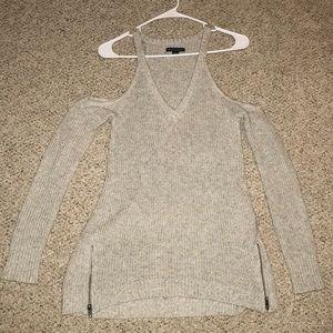 Open shoulder, knit sweater, side zippers, v neck